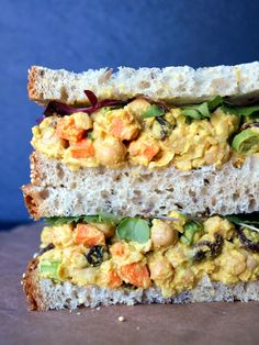 Curried Chickpea Salad Sandwich - protein without meat #vegan #recipe #vegetarian #healthy #recipes