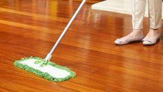Cómo recuperar el brillo original de tu suelo de madera o parquet