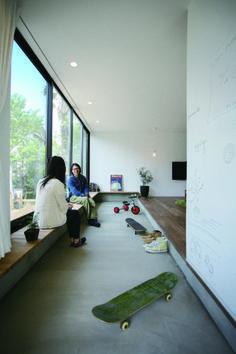 シンプルデザイン 土間とリビングがつながるお家の画像   RYO'S Sturdy Style private blog
