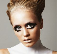 Last Minute Halloween Makeup Ideas | theglitterguide.com