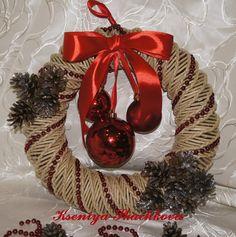 Новогодний альбом – 1 469 фотографий Porta Cupcake, Christmas Wreaths, Weaving, Holiday Decor, Christmas 2016, Flower Crowns, Paper Envelopes, Dekoration, Crafting