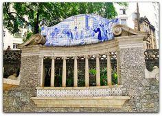 José Washt Rodrigues - pintura sobre azulejos para o obelisco do largo da Memória, em São Paulo.  http://sergiozeiger.tumblr.com/…/jose-wasth-rodrigues-sao-p…  Ele trabalha também com pintura sobre azulejos, destacando-se as obras que faz para o obelisco do largo da Memória, em São Paulo, e para os monumentos existentes no Caminho do Mar, estrada tradicional entre Santos e São Paulo.
