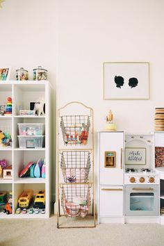 Looking for kids playroom ideas or playroom storage solutions? Today we are looking at some brilliant kids playroom storage ideas. Organizing Hacks, Home Organization Hacks, Storage Hacks, Storage Ideas, Shelving Ideas, Storage Solutions, Playroom Design, Playroom Decor, Playroom Ideas