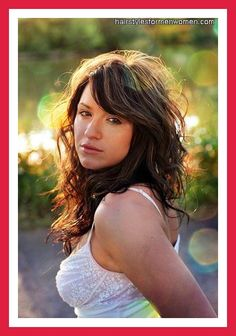 hairstyles with bangs and wavy hair naturally