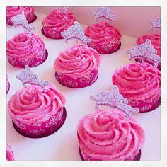 Princess cupcakes for Teya Birthday Cake Girls, 4th Birthday Parties, Princess Birthday, Princess Party, Kid Parties, 7th Birthday, Birthday Ideas, Sparkle Cupcakes, Pink Cupcakes