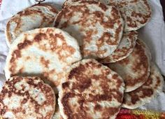 Gorditas de azúcar Mexican Cooking, Mexican Food Recipes, Dessert Recipes, Sweet Gorditas Recipe, Traditional Mexican Dishes, Hispanic Dishes, Delicious Desserts, Yummy Food, Keto Desserts