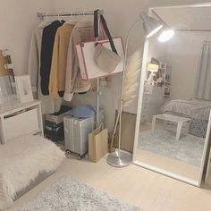 ໒ yllbn ! Room Design Bedroom, Room Ideas Bedroom, Home Room Design, Small Room Bedroom, Korean Bedroom Ideas, White Bedroom, Study Room Decor, Cute Room Decor, Minimalist Room