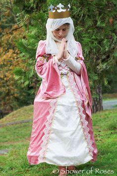 St. Elizabeth of Hungary costume for All Saints Day. So lovely!
