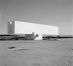 Museu da Fundação de Brasília   Oscar Niemeyer   Photo : Marcel Gautherot
