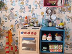 Little kitchen for the kids by Smilerynker, via Flickr