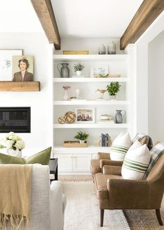 This Chic Home in Minnesota Is Making Our Heads Spin Living room shelves Home Living Room, Living Room Designs, Living Spaces, Small Living, Modern Living, Living Room Shelf Decor, Cozy Living, Built In Shelves Living Room, Decor Room