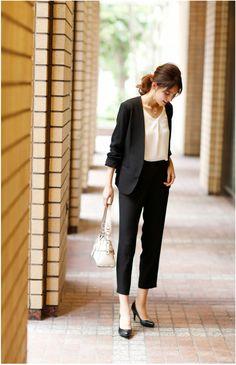 【楽天市場】【GINGERmirror掲載】パンツスーツ ビジネススーツ 入学式 スーツ ママ レディース 卒園式 卒業式 入園式 セットアップ 2点セット セレモニースーツ 大きいサイズ:アッドルージュ Business Casual Outfits, Business Attire, Office Outfits, Business Fashion, Simple Work Outfits, Work Casual, Office Fashion, Work Fashion, Suit Fashion