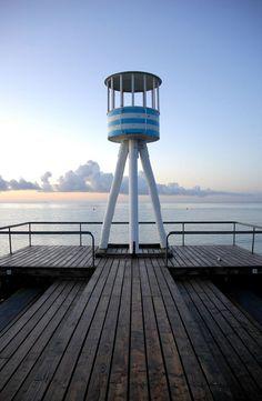 Lifeguard tower designed by Arne Jacobsen in Klampenborg, Denmark