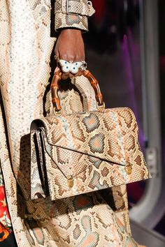 An editorial on Gucci handbags, purses and your favorite accessories. Get prices and shopping advice on Gucci designer bags and purses. Gucci Handbags, Handbags On Sale, Fashion Handbags, Fashion Bags, Leather Handbags, Fashion Accessories, 2017 Handbags, Designer Handbags, Fashion Trends