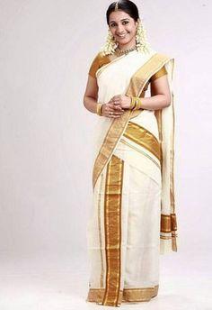 dress style of kerala sarees Sari Draping Styles, Saree Styles, Kerala Traditional Saree, Traditional Dresses, Bengali Saree, Indian Sarees, Indian Attire, Indian Outfits, Indian Clothes
