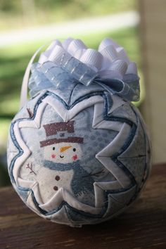 Another quilted ball ornament tutorial - with a hint to help keep ... : quilted ball - Adamdwight.com