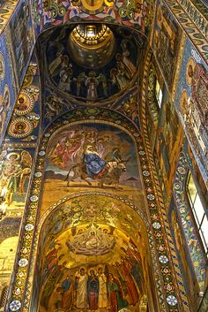 The Cathedral of the Resurrection of Christ (Church of the Saviour on the Spilled Blood) is an Orthodox cathedral in St Petersburg, Russia. Russian Architecture, Church Architecture, Beautiful Architecture, Beautiful Buildings, St Pétersbourg Rússie, Zar Nikolaus Ii, Church Interior, Old Churches, Cathedral Church