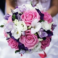 Pink Roses Bouquet and flower arrangements. Premium flowers - Auckland Florist for flowers delivery to Auckland area. Purple Wedding, Floral Wedding, Wedding Decor, Wedding Day, Wedding Hacks, Wedding Costs, Wedding Trends, Wedding Designs, Wedding Bride