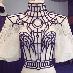 "That time I lost my mind and decided to create a stained glass couture collection! 😱 Here I was almost done sculpting the ""lead"" frame from… Fashion Mode, Look Fashion, Couture Fashion, Diy Fashion, Fashion Outfits, Fashion Design, Cosplay, Mode Outfits, Looks Style"