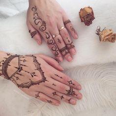 Inspired by @veronicalilu #henna #heena #hennaart #hennadesign #hennatattoo…
