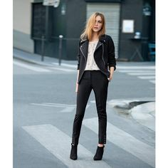 French street style ! Love this asymetric jacket!<3