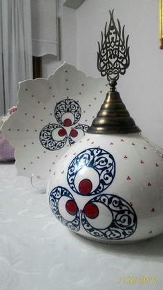 :) Turkish Art, Turkish Tiles, Ceramic Pottery, Pottery Art, Arabic Pattern, Vase, Paint Party, Ceramic Painting, Tile Patterns