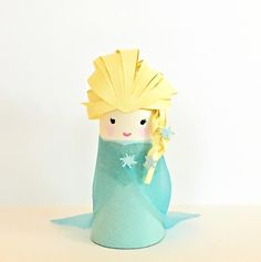 Toilet paper tube Elsa doll - easy paper craft for kids // Wc papír guriga Elsa figura - kreatív ötlet gyerekeknek // Mindy - craft tutorial collection // Christmas Crafts For Kids To Make, Paper Crafts For Kids, Diy For Kids, Fun Crafts, Toilet Paper Roll Crafts, Paper Plate Crafts, Recycled Art Projects, Recycled Crafts, Craft Activities