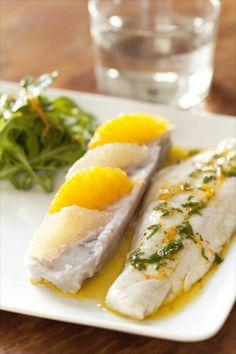 Bar vinaigrette agrumes / Sea bass with cireus fruit vinaigrette http://www.panierdesaison.com/2014/04/voyage-en-quimp%C3%A9rois-des-photos-des-images-.html
