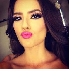 long lashes and hot pink lips! Eye Makeup, Kiss Makeup, Makeup Tips, Beauty Makeup, Hair Beauty, Gorgeous Makeup, Pretty Makeup, Makeup Looks, Gorgeous Eyes