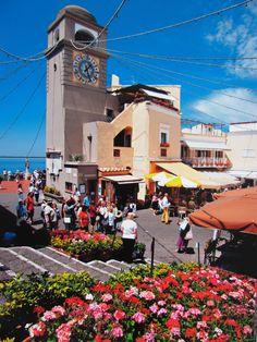 Capri Italy Places Ive Been, Places To Visit, Italy Holidays, Capri Italy, Positano, Amalfi Coast, Travel Agency, European Travel, Vacation Spots