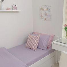 Bedroom Setup, Room Design Bedroom, Room Ideas Bedroom, Home Room Design, Bedroom Decor, Pastel Room, Minimalist Room, Pretty Room, Cozy Room