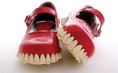 Эта невероятная обувь просто поражает воображение. Tutastan.com покажет вам 36 творений, которые даже трудно называть обувью. Смотрите также:«Тяни резину»: 15 полезных способов использовать презервативы не по назначению (21 фото + 4 видео)12 креативных дверных ручек, которые могут поменять настроениеПользователи социальных сетей влюбились в невесту, ее подружек и их волосы (10 фото)Яркие рисунки, спрятанные под прической …