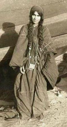 trader gypsy nomad old history Gypsy Life, Gypsy Soul, Gypsy People, Gypsy Culture, Naher Osten, Gypsy Women, Vintage Gypsy, Bohemian Gypsy, Women Life