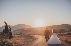Estefanía y Cristian: Boda romántica en Málaga de Fran Russo (parte I) via BodaBella. Wedding Pins, Wedding Wishes, Wedding Photos, Dream Wedding, Wedding Day, Amazing Photography, Wedding Photography, Photography Ideas, Photography Magazine