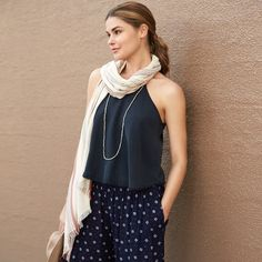"""10 Fashion Do's top totally cute. I don't own scarves. I'm not opposed to them but I don't """"get"""" them.  I love in Florida its not a warm weather accesso"""