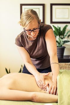 Before you can decide which #massage style is best for you, you need to ask yourself a question. Do you simply want a massage for #relaxation and #stress control? Or do you need symptom relief or help with a certain health condition? Before booking a massage, let the therapist know what you're looking for and ask which style the therapist uses. Many use more than one style. Or the therapist may customize your massage, depending on your age, condition, or any special needs or goals you have.