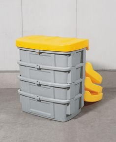 B.12495 - Streugutbehälter aus PE ohne Entnahmeöffnung, 200 L, Deckel gelb