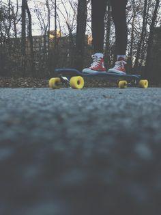 longboard, skater girl, skateboarding, tomboy style, tomboy at heart