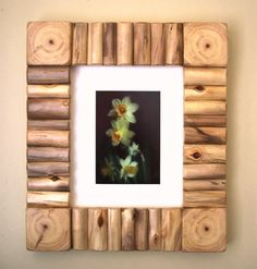 Rustic Wood Frame - Rustic Photo Frame - Rustic Picture Frame - Log Decor - 8 x 10 Frame (Outside ap Rustic Picture Frames, Barn Wood Frames, Log Decor, Wood Shop Projects, Rustic Pictures, Frame Crafts, Woodworking Projects Plans, Decoration, Rustic Wood