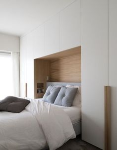 Bedroom Wall Decor Ideas Small Rooms Beds is unquestionably important for your home. Whether you choose the Bedroom Wall Decor Ideas Small Rooms Night Stands or Bedroom Wall Decor Ideas Small R Closet Bedroom, Bedroom Apartment, Home Decor Bedroom, Apartment Door, Budget Bedroom, Closet Space, Diy Bedroom, Bedroom Storage For Small Rooms, Small Master Bedroom