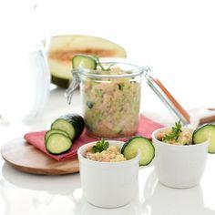 Ensalada de quinoa, salmón y pepino