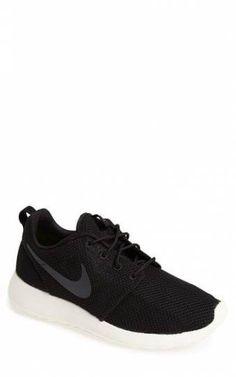 7905614d8459d Nike  Rosherun  Sneaker (Men) available at