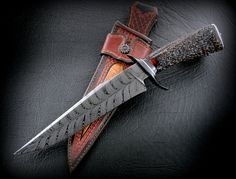 """Claudio Sobral CAS Fighter 8.5"""" Damascus Feather blade, stag handle.A beautiful pattern."""