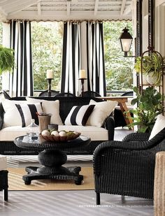 Black and white is dramatic in this outdoor living area