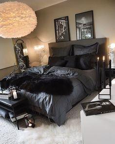 Black Bedroom Design, Black Bedroom Decor, Room Ideas Bedroom, Home Decor Bedroom, Black Bedrooms, Glam Bedroom, Bedroom Wall, First Apartment Decorating, Stylish Bedroom