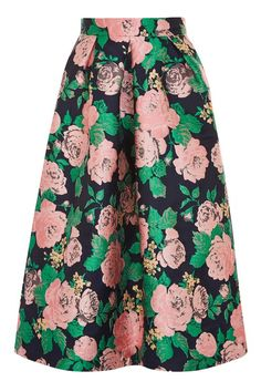 Look prom-perfect in this full jacquard skirt in a multi floral print. In a midi cut, it features pleats to the front. We've styled with a fluted sleeve blouse for a pretty feel.
