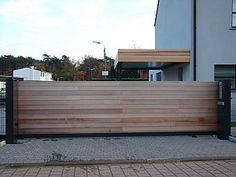 Metallooks: Houten poorten schuifpoort ceder gesloten model