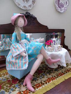 Boneca feita por Cantinho das Artes - Lauriane