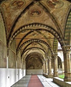 Santa Maria Novella church and the cloisters with Paolo Uccello's frescoes of the great flood.